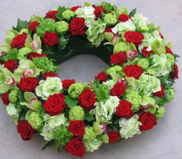Bloemstuk maken met rozen yl34 aboriginaltourismontario for Trouwdecoratie zelf maken